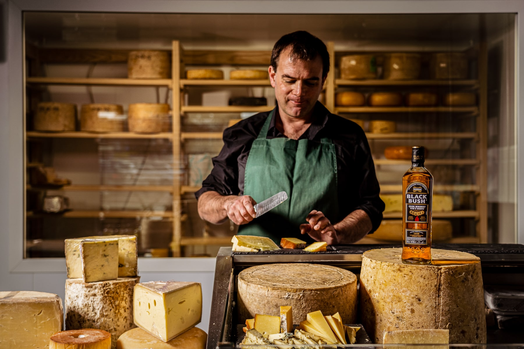 BUSHMILLS BLACK BUSH TO BRING TOGETHER THE ARTS OF WHISKEY AND CHEESE TASTING